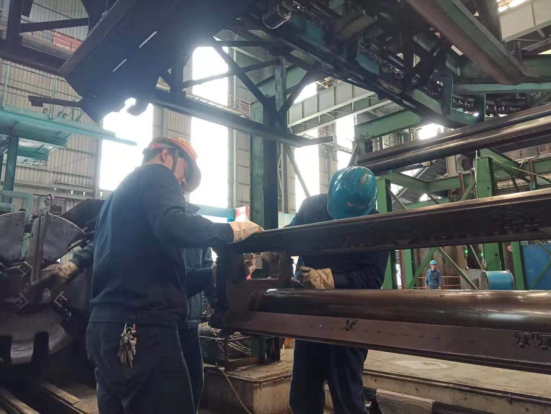 【一线风采】高温酷暑下的坚守者 ——轧钢厂检修现场风采集 -5524澳门24小时_澳门24小时用心打造_网投平台